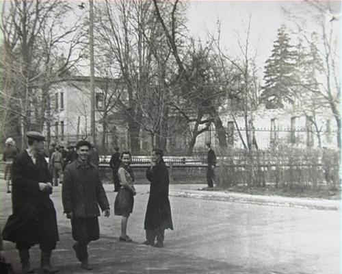 1954 Розвалини палацу